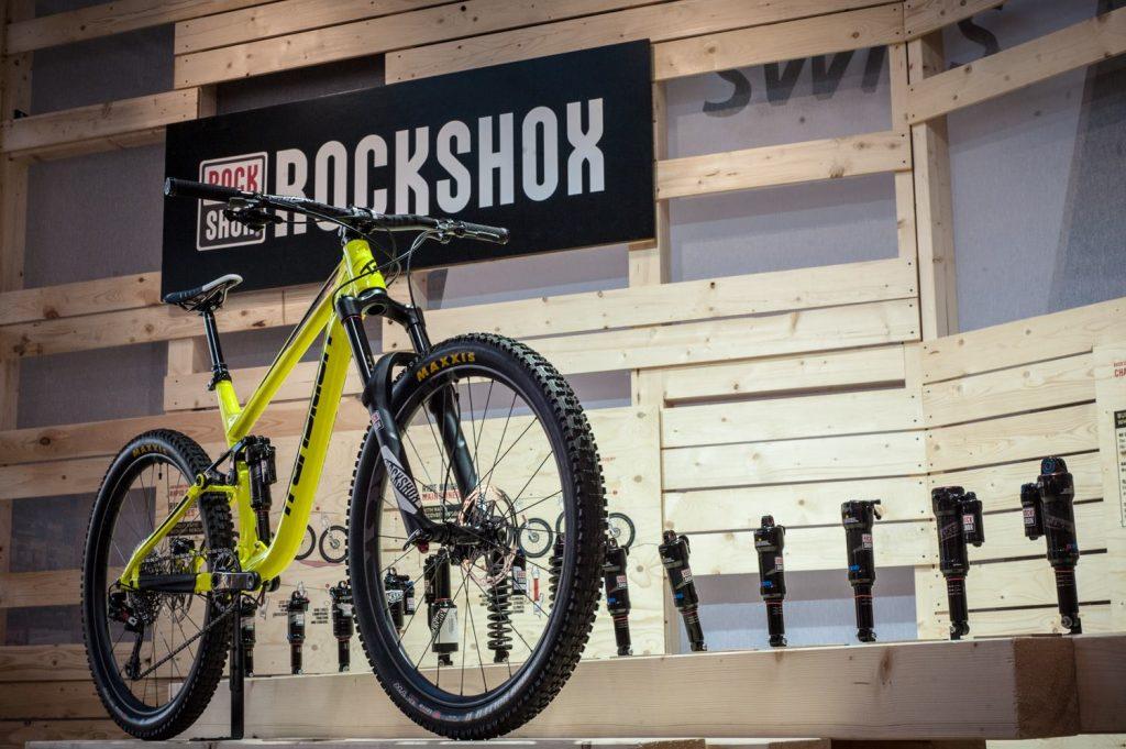 amortyzator rock shox w rowerze full suspension