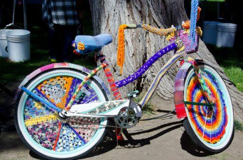 osłony rowerowe wykonane z kolorowego materiału